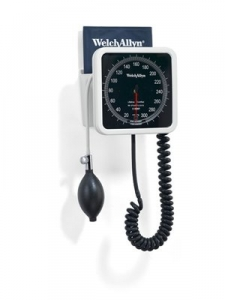 Welch Allyn 767 Aneroid Sphygmomanometer with Desk Mount & Adult Cuff (7670-16)